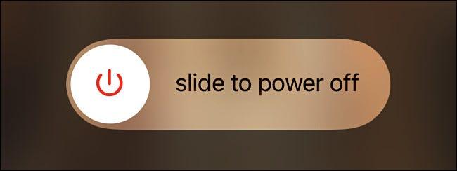 """El control deslizante """"Deslizar para apagar"""" de Apple."""