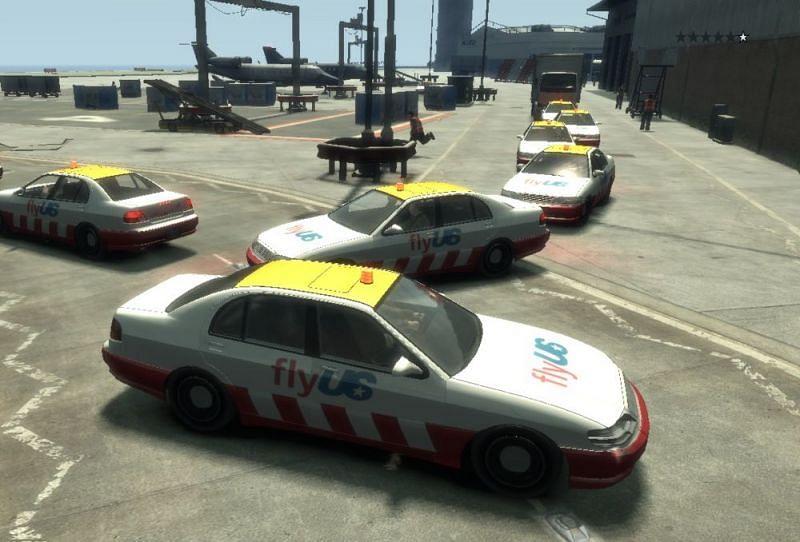 Un ejemplo de aglomeración de automóviles en GTA (Imagen a través de Rockstar Games)