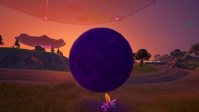 Kevin the Cube orbes en Fortnite (Imagen a través de Reddit)