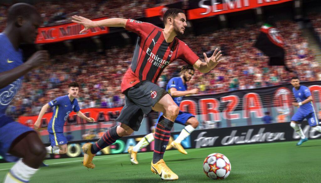 Theo Hernandez regateando el balón en FIFA 22
