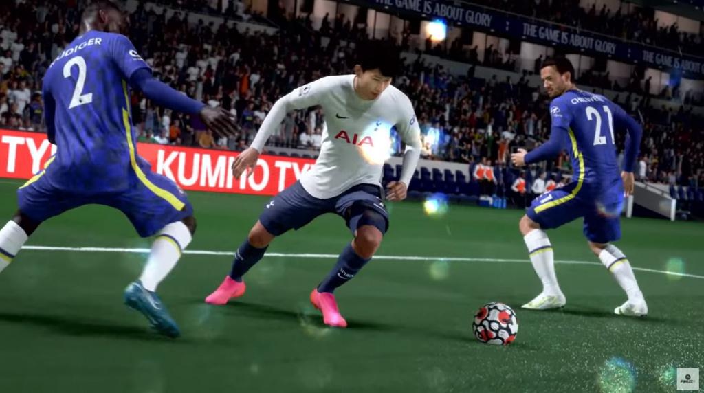 Hijo regateando en FIFA 22