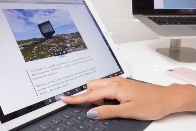 Pessoa usando o Duet Pro para iPad